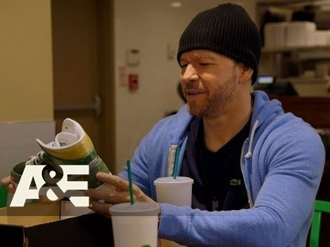 Wahlburgers: Paul's New Shoes - Do the Hustle (Season 4, Episode 2) | A&E