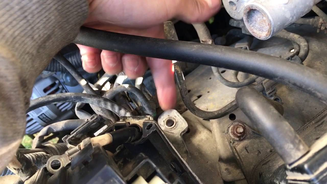 small resolution of how to replace 120amp fuse in 99 4runner 3 4 4wd youtube