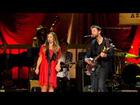 "2012 Official Americana Awards - Kasey Chambers and Shane Nicholson ""Rattlin' Bones"""