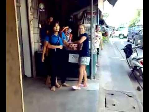 ผู้ชายอัดคลิปผู้หญิงมาด่าถึงร้าน แต่พอรู้สาเหตุที่มาด่า คนกลับไม่เห็นด้วย