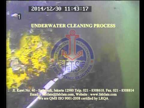 underwater cleaning