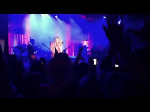 Kesha - Learn to Let Go (Live) - Rainbow Tour