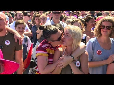 Celebrations as Australians back same-sex marriage