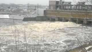 Рыбинское водохранилище HD(Спускаем лишнюю воду.., 2012-12-25T20:32:22.000Z)