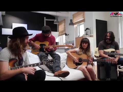 Angus & Julia Stone - Heart Beats Slow ( Acoustic Session )