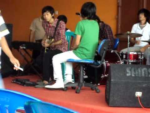 d'masiv apa salahku live (covered by fossetta)