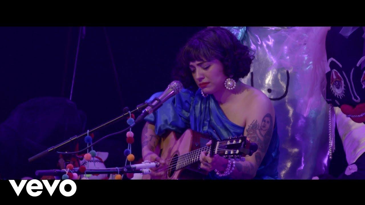 Download Mon Laferte - Tu Falta De Querer (En Vivo, Desde El Lunario del Auditorio Nacional)