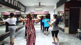 Pocolicious dangdut simple 4 walls dance ...senggol2an cubit2an - Stafaband