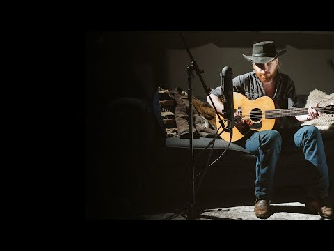 Colter Wall RailRoad Blues - Vintage Martin 00-17