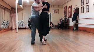 Tango 204: Vals, Change of Direction