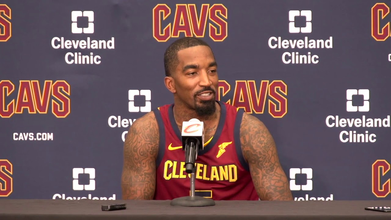 j-r-smith-jokes-that-lebron-s-a-jerk-for-waking-him-up-early-at-cavs-media-day-2017