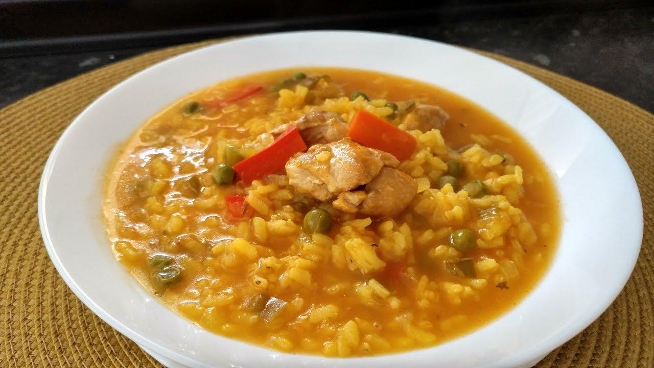 Como hacer un arroz con pollo caldoso facil