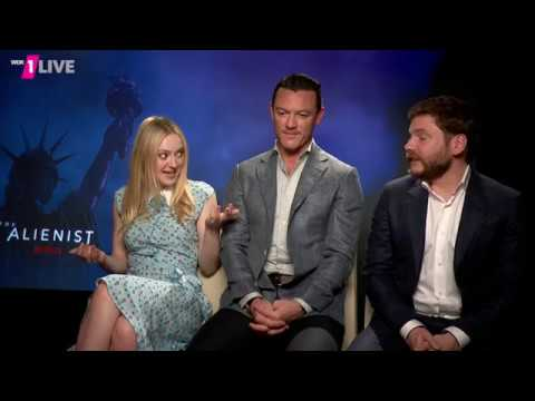 Luke Evans, Daniel Brühl and Dakota Fanning in 1LIVE Interview