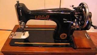 видео Швейная машина Лада 233. Производство Чехословакия.
