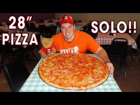 """28"""" CHEESE PIZZA CHALLENGE in Kerrville, Texas!! (SOLO)"""