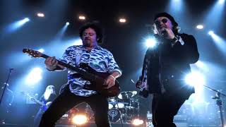 "Toto Announce Plans to Cover Weezer's ""Hash Pipe"""