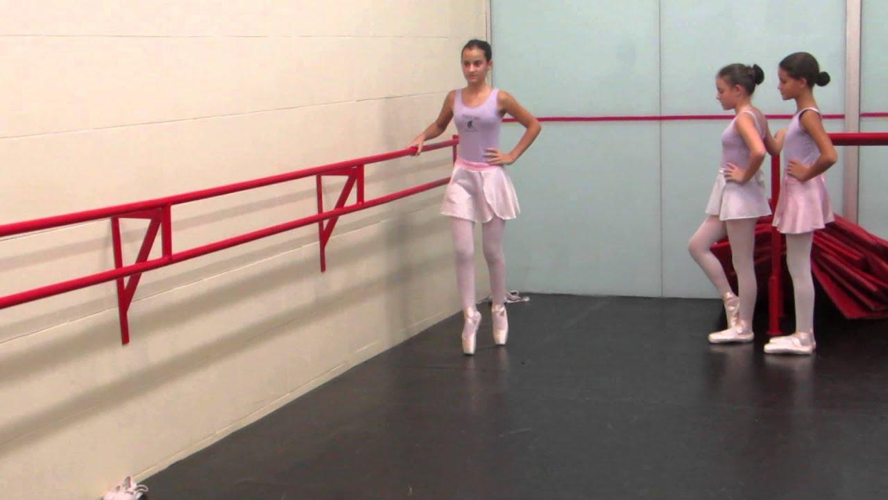 Bailarina de ballet es manoseada por dos desconocidos para verla completa haz clic aqui httpmitlyus5ylb - 3 4