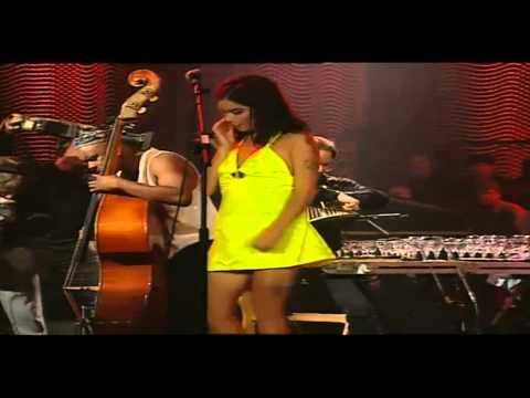 BJÖRK - Violently Happy [Live@Unplugged MTV 1994] HQ