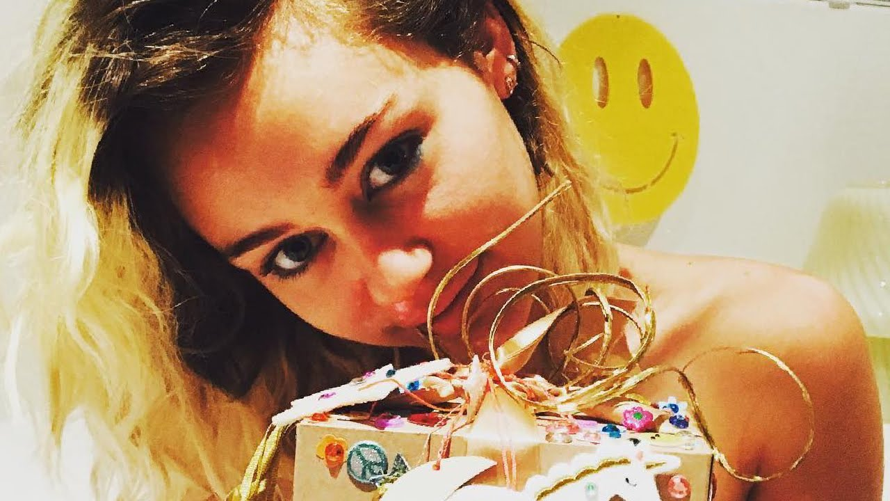 Miley Cyrus Rings In 24th Birthday With Sweet Gifts From Her Love Liam Hemsworth