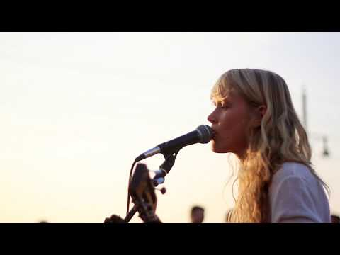 Alice Phoebe Lou - Little Wing - Jimi Hendrix (Cover)