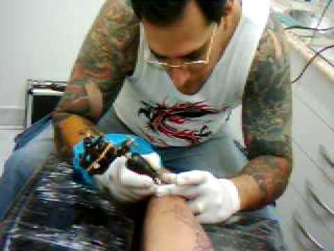 magal tattoo sendo tatuador por paulo fernando