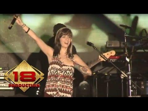 VOLTS - Main Hati  (Live Konser Amarta Hills Malang 23 November 2013)