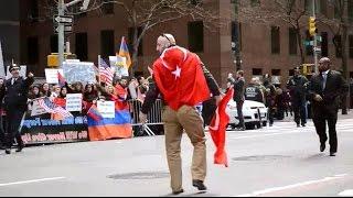 Türk Bayrağını Ermeni Protestocuların Elinden Kurtaran Genç