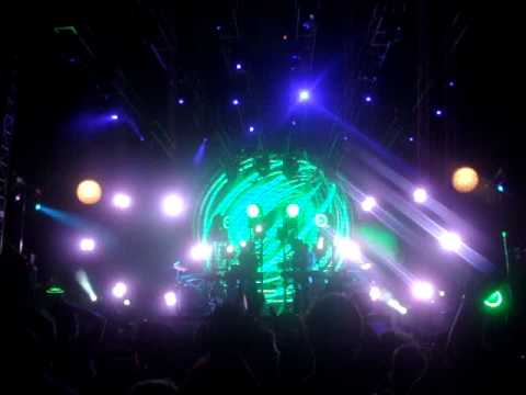 The Crystal Method - Keep hope alive vs Get busy child - live @ EDC