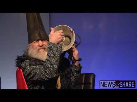 "Vermin Supreme ""Sings"" National Anthem"