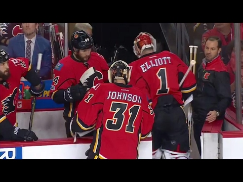 Elliott gets the hook after allowing early bad goal