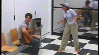 OT 1 Chenoa intenta cantar flamenco