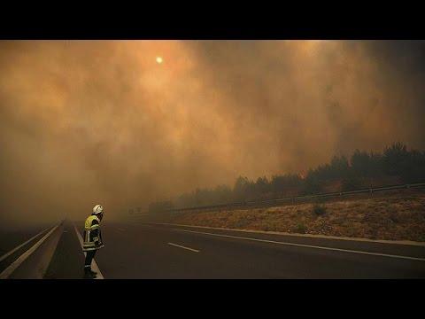"""France : incendie """"hors de contrôle"""" au nord de Marseille"""