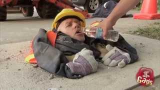 Repeat youtube video Kandi kamera  építkezési baleset