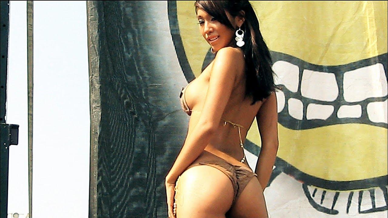 Sexy girl nude in flip flops