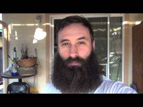 Time-lapse: Growing A Beard For 365 Days