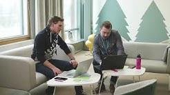 Academystä valmistunut IT-konsultti Tuukka työllistyi HiQ:lle