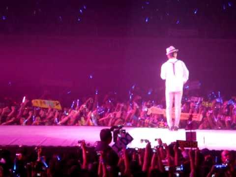 100410 Super Junior - Beautiful (Donghae solo)  (Super Show 2 Philippines)
