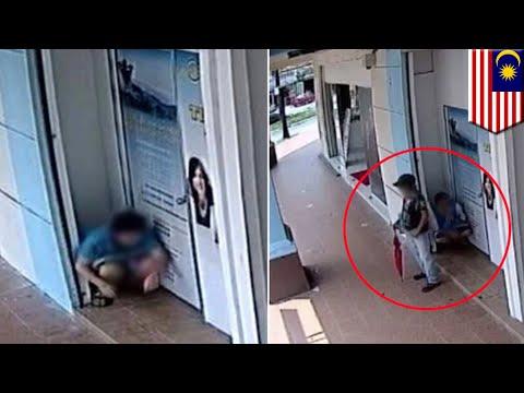 Siswi SMA di Malaysia ketahuan buang hajat sembarangan, terekam CCTV - TomoNews