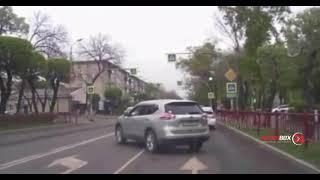 Таксиста не пропустившего пешеходов на глазах у автоинспекторов оштрафовали