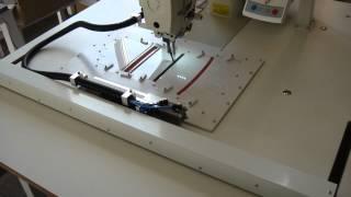 видео: Фирма Швеймаш: работа нестандартного швейного автомата для шитья многослойных изделий по шаблону