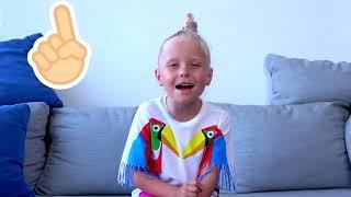 Alicia y papá juegan con la magia de Aladino