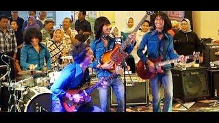 Gadis Genit (Koes Plus) ★ Goyang Asyik Bareng T-Koes Band @ Plaza Blok M