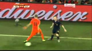 Iniesta Owns Robben in the World Cup Final !!