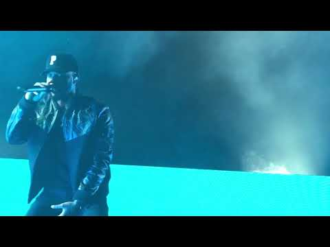 Bryson Tiller - Let Em' Know (Live at Watsco Center in Coral Gables,FL on 8/29/2017)