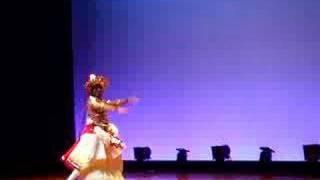 スリランカの伝統ダンス、キャンディアンダンス。長年の修行の後、師か...