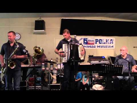 CZECHAHOLICS POLKA BAND- LOOKING FOR MY SWEETHEART WALTZ