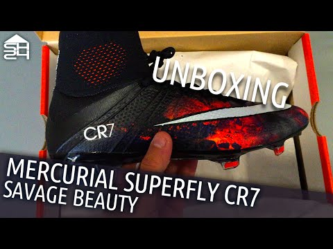 Focus sulle Nike Mercurial Superfly CR7 Savage Beauty