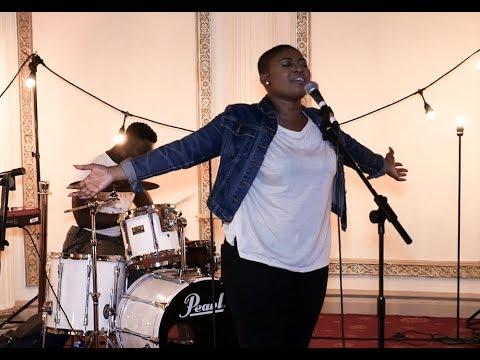 Deborah Darling Caught In Worship | Ablaze 4 Christ