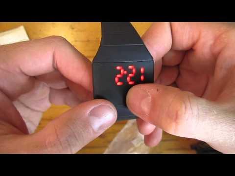 Посылка с Китая! Чудесные светодиодные часы! Сравнение с Электроникой 1!