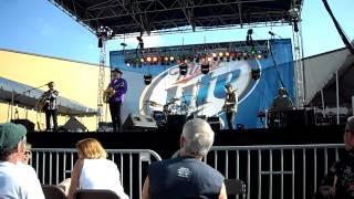 5 Pound Bass - Robert Earl Keen at the Katy Crawfish Festival